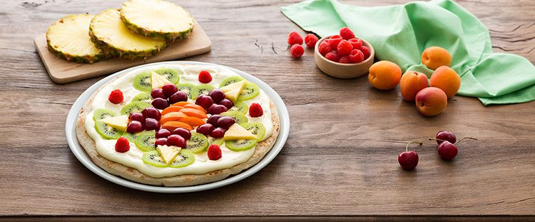 Fruit pizza base salata