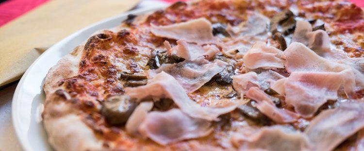 Come condire la pizza