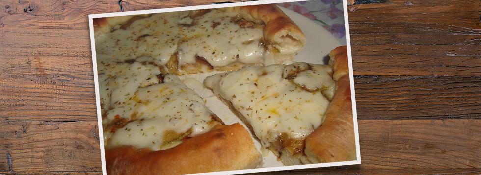 Pizza bianca Praga e zucchine con bordo ripieno