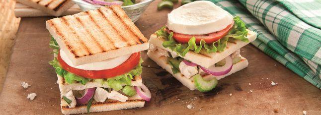 Sandwich con insalatina di pollo