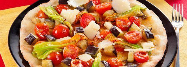 Pizza con pecorino e fiori di zucca