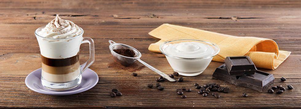 Bicchiere con Bavarese al cioccolato, caffè e Crema Dolce alla Ricotta