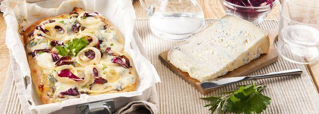 Pizza cipolle radicchio e gorgonzola