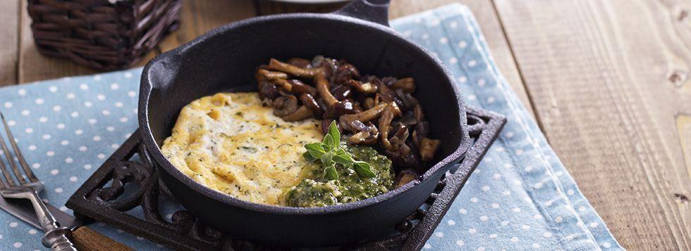 Omelette con formaggio e funghi