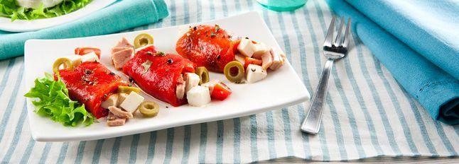 Involtini di peperoni con Formaggio Zero Grassi, tonno, pomodorini e olive