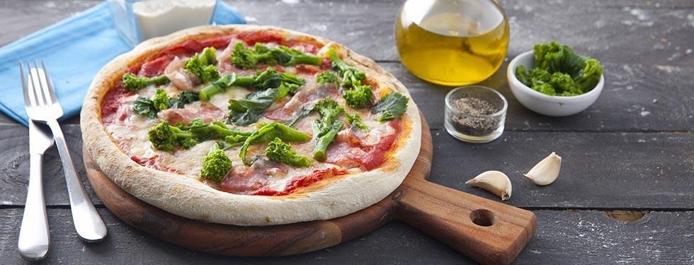 PIZZA CON SALAME TRADIZIONALE BUONA DA STAR BENE
