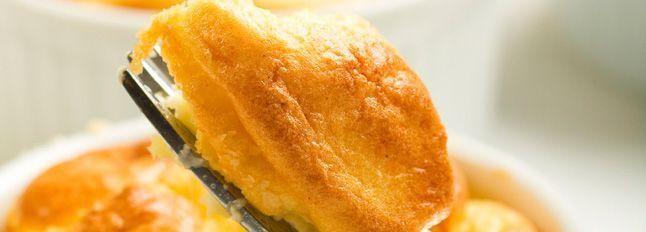 Souffle al formaggio con salsa al gorgonzola