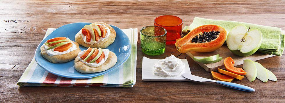Mini Fruit Pizza con spalmabile, papaya e mela verde