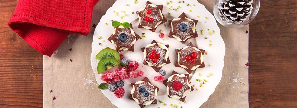 Biscottini al cacao e crema dolce alla ricotta