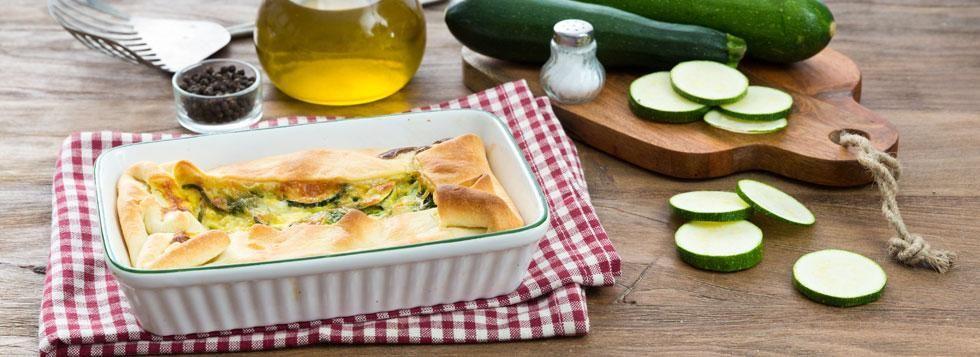 Torta salata con zucchine, pesto e Galbanino