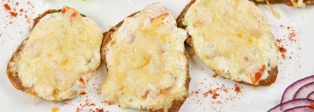 Crostino con mostarda
