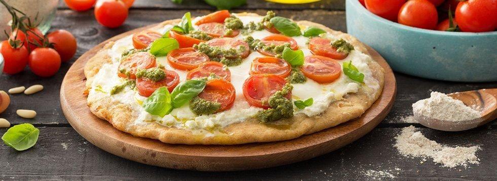 PIZZA CON PESTO E POMODORINI BUONA DA STAR BENE