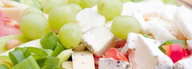 Mix di formaggi e uva