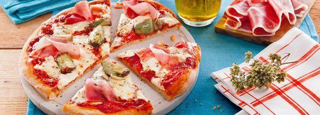 Pizza regina con prosciutto e carciofi