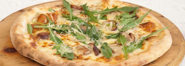 Pizza porcini, rucola e parmigiano