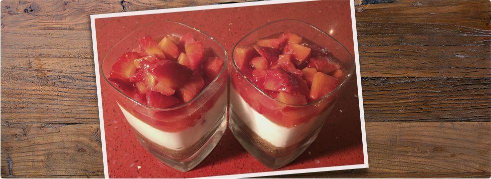 Cheesecake alle fragole nel bicchiere