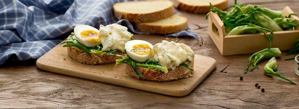 Bruschetta con Uovo e Gorgonzola