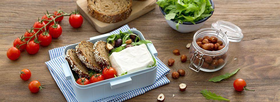 SCHISCETTA DELLO STUDENTE: Certosino con insalata di pomodorini e rucola