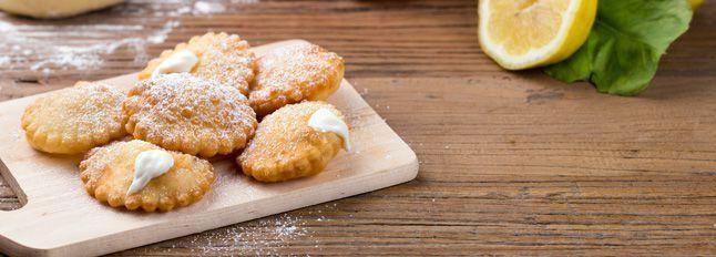 Tortelli dolci fritti con Crema alla Ricotta
