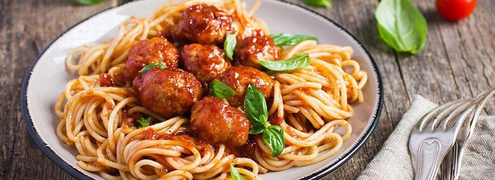 Spaghetti con polpette filanti
